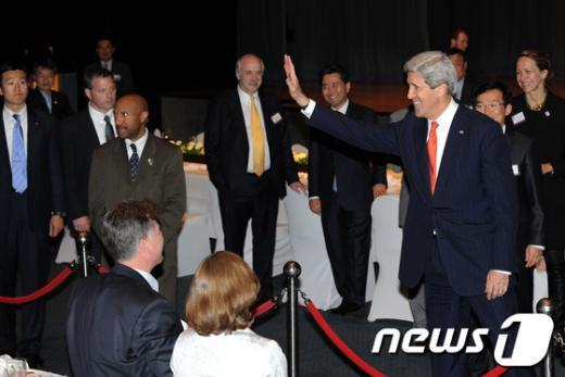 [사진]암참 연설 마친 존 케리 美 국무장관