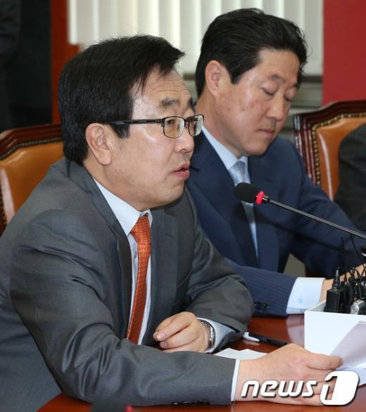 [사진]발언하는 서병수 사무총장