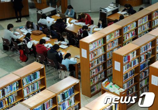 [사진]대학가는 중간고사 기간