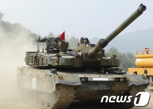 성능시험 중인 K2 전차.  News1