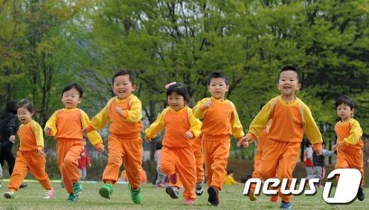 기상청은 어린이날인 5일 전국이 맑겠다고 예보했다.  News1 박지혜 기자