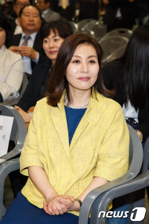"""[사진]최명길, """"남편 응원왔어요"""""""
