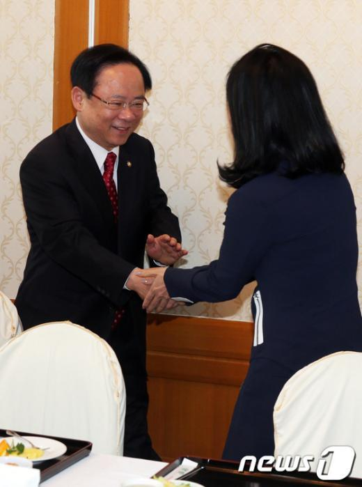 [사진]원내대표 경선 선거전 돌입한 이주영 의원