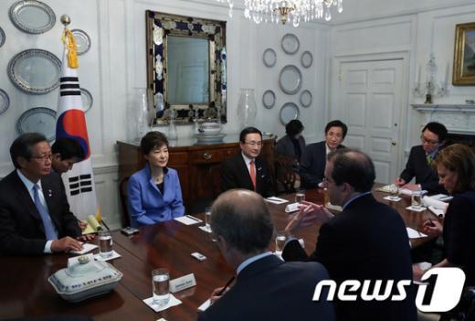[사진]박 대통령, 워싱턴 포스트와 인터뷰