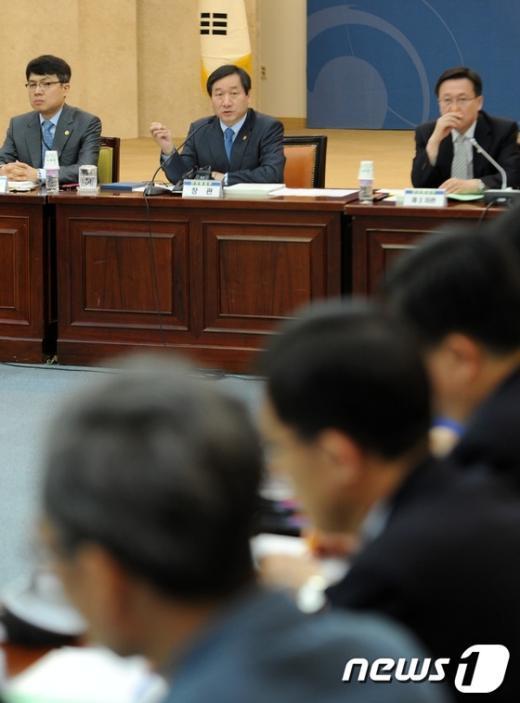[사진]유정복 장관, 제1차 안전정책조정회의 주재