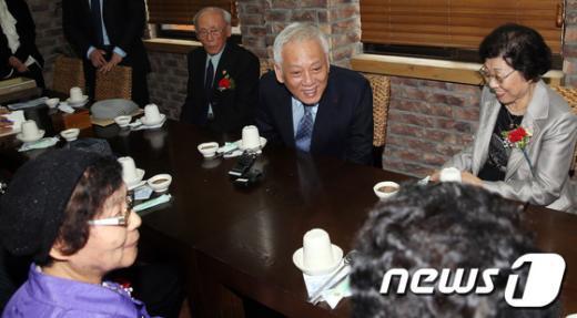 """[사진]김한길 """"제 부모님도 함경도 출신입니다"""""""