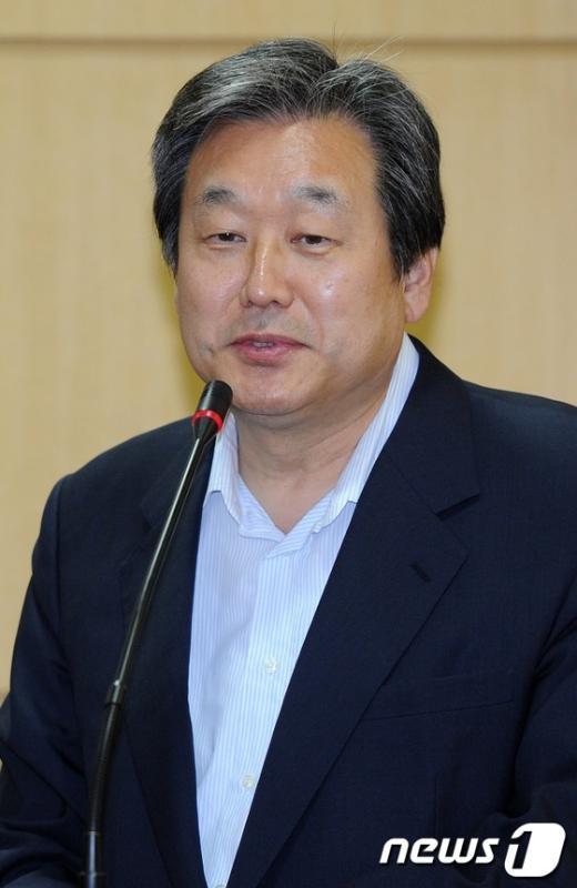 [사진]김광두 원장 특강 찾은 김무성 의원