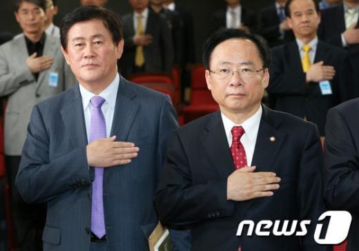 [사진]與 원내대표 도전하는 이주영-최경환