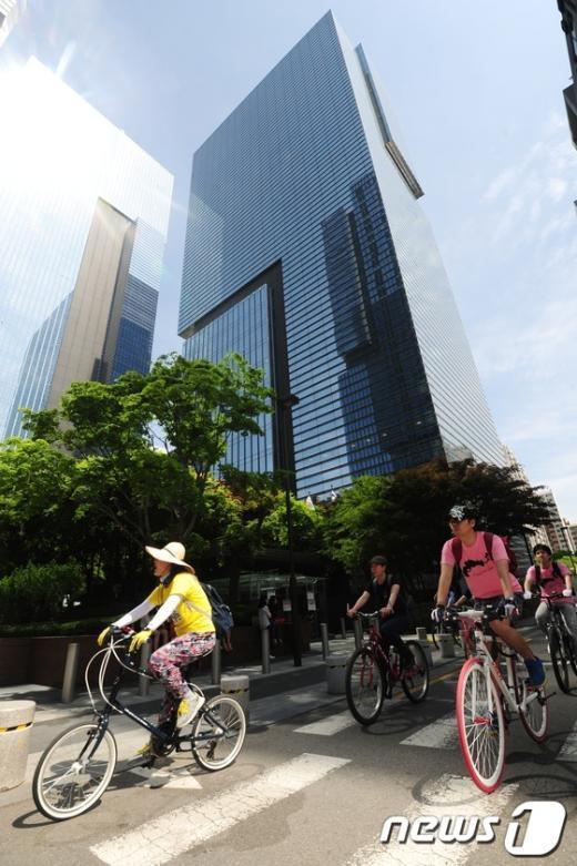 [사진]제주 해군기지 건설 반대 자전거 행진
