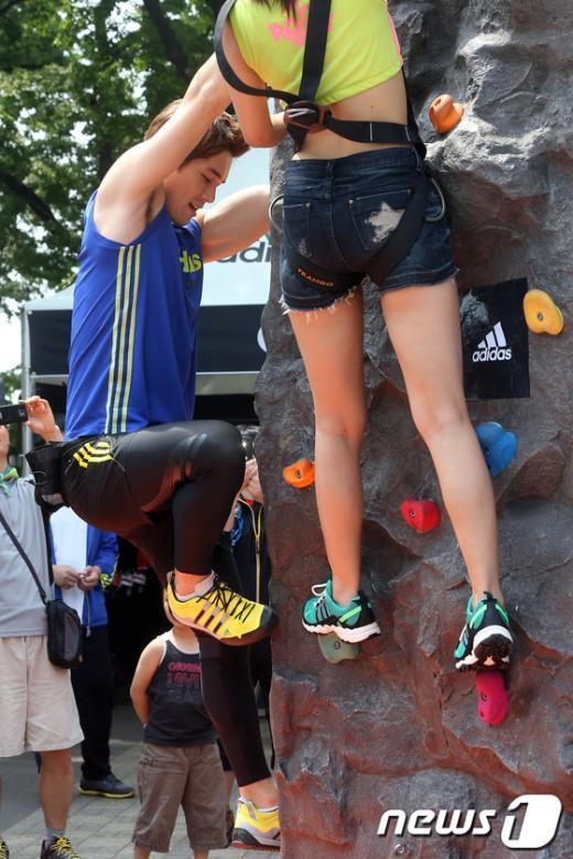 """[사진]리키김, """"올라가 볼까?"""""""