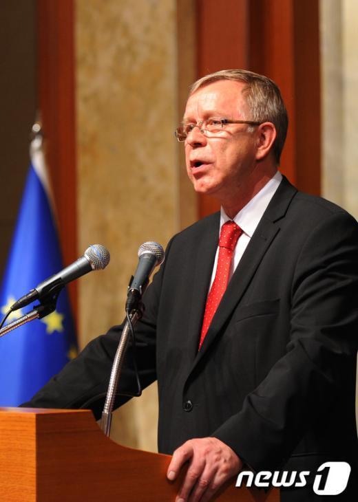 [사진]축사하는 주한 EU대표부 대사