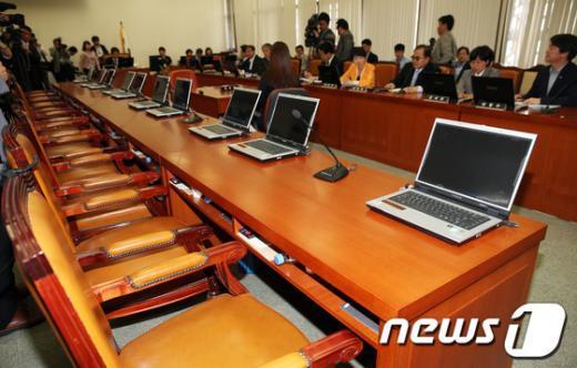 [사진]복지위, 여당 빠진채 진주의료원 사태 논의
