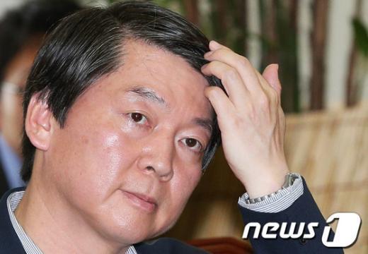 """[사진]안철수 """"공공의료 흔들지 마"""""""