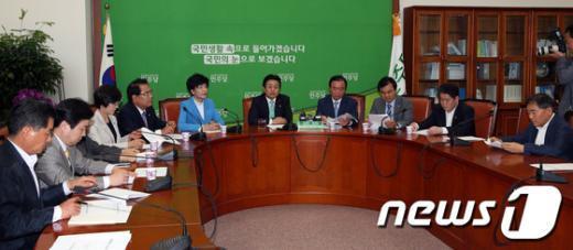 [사진]민주, 6월 임시국회 전략 논의