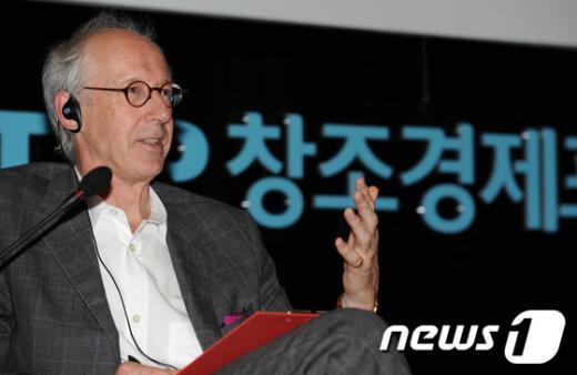 [사진]존 호킨스가 말하는 창조경제