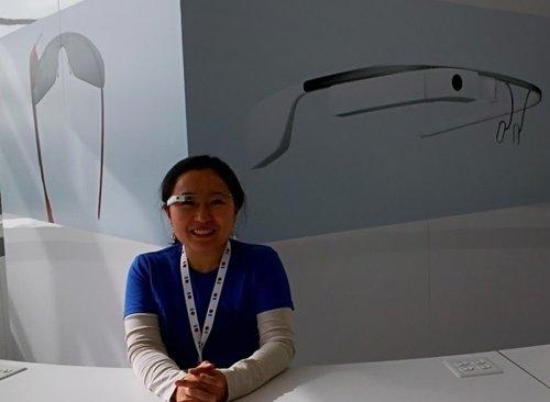 구글 I/O에서 구글글래스로 송현영씨를 찍은 사진.