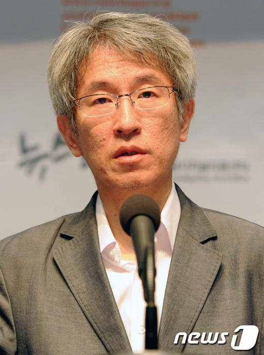 [사진]질문에 답하는 김용진 대표