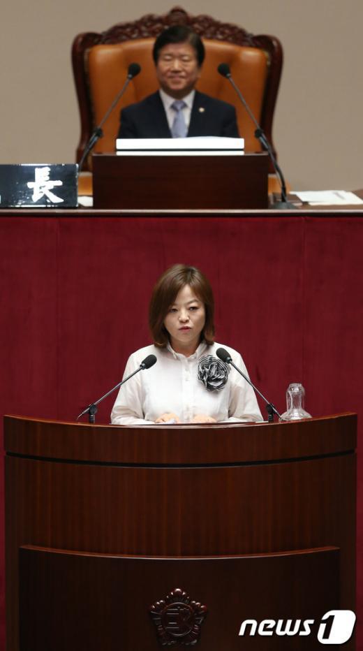 [사진]대정문질문 모두발언하는 진선미 의원