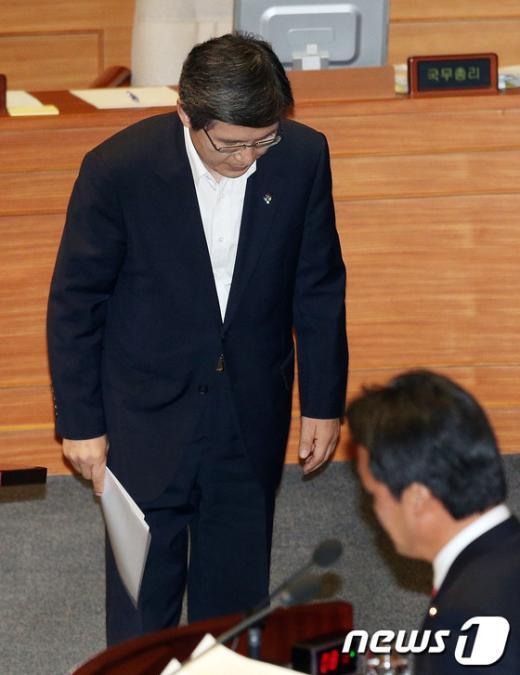 [사진]野 사퇴 압박 받는 황교안 법무부장관