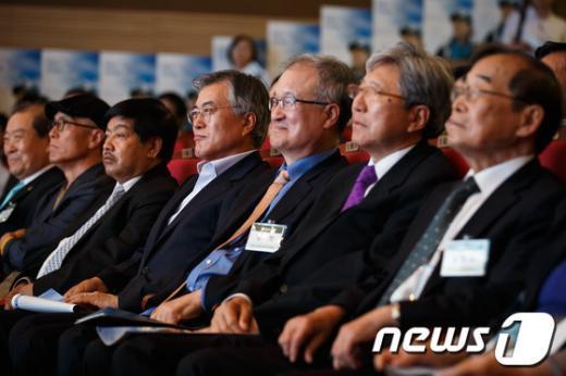 [사진]박영석 기념관 건립 선포식 참석한 문재인