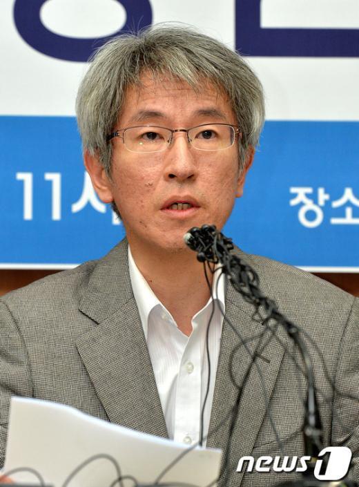 [사진]7차명단 발표하는 김용진 대표