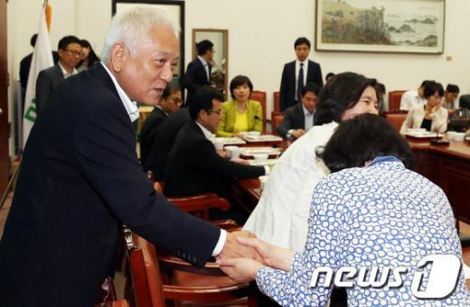 [사진]초선의원들과 오찬간담회 가진 김한길 대표