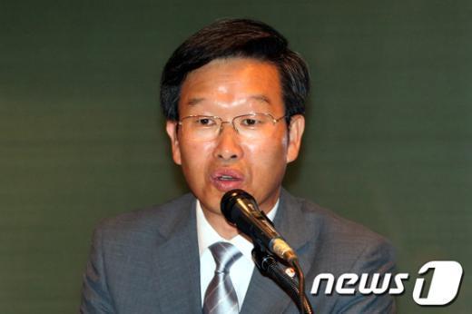 [사진]인사말하는 유제헌 재독한인총연합회장