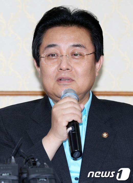 [사진]모두발언하는 전병헌 원내대표