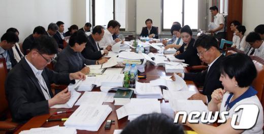 [사진]국회 환노위 법안소위