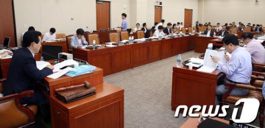 [사진]국회 기획재정위원회 조세소위