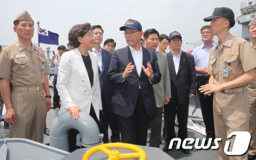 """[사진]새누리당 지도부의 """"안보행보"""""""