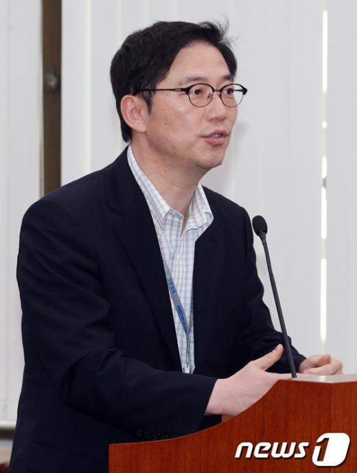[사진]천해성 통일부 통일정책실장, 남북회담 답변