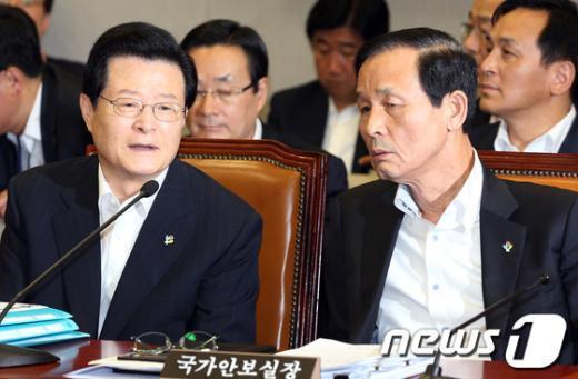 [사진]논의하는 허태열-김장수