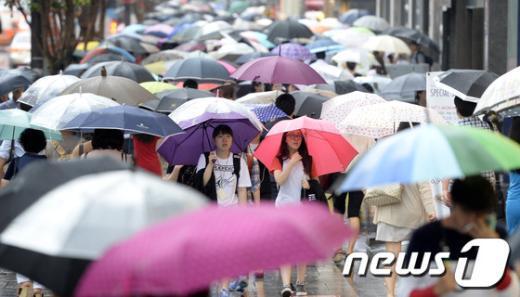 """[사진]""""우산 행렬"""""""