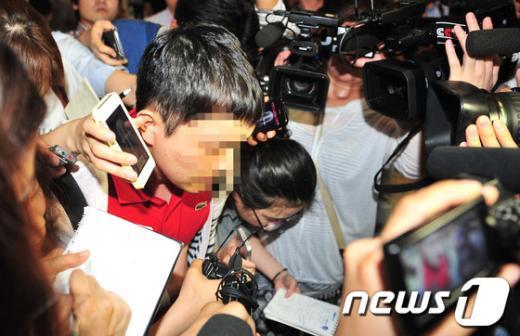 [사진]입국장 나서는 아시아나 사고기 탑승객