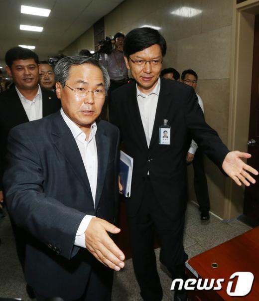 [사진]민주당, 남북정상회담 부속자료 단독열람 시도
