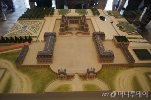 ↑ 베르사유 궁전을 한눈에 볼수있게 만든 축소판 미니어처. ⓒ사진=송원진