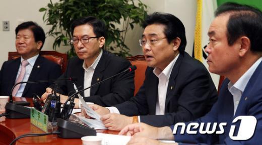 """[사진]전병헌 """"새누리당에 증인 채택 촉구"""""""