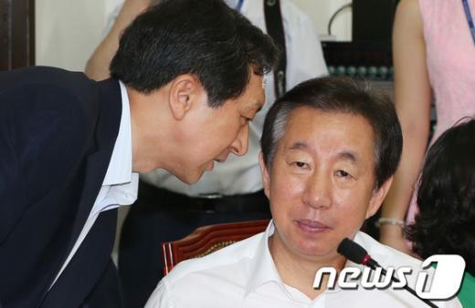 [사진]얘기 나누는 김기현-김성태