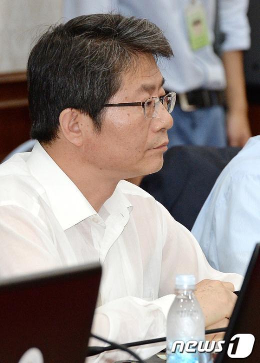 [사진]국무회의 참석한 류길재 장관