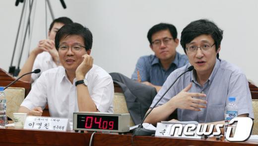 [사진]발언하는 손열 교수