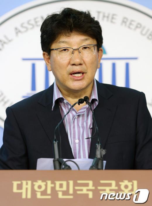 """[사진]권성동 """"민주, 허위주장 사과해야"""""""
