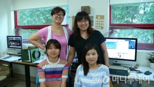↑왼쪽 위부터 시계방향으로 박정화 인디애드 대표, 김수현 디자이너, 박혜미 인턴, 유은정 CF감독. ⓒ이경숙 기자