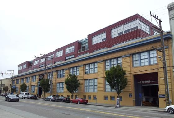 SK플래닛 미국법인은 샌프란시스코 자이언트의 홈구장인 AT&T파크에서 멀지않은 이 건물 4층을 쓰고 있다.