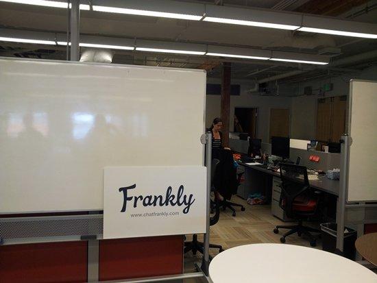 SK플래닛이 곧 미국에 론칭할 모바일메신저 서비스 프랭크리. '틱톡'을 개발했던 김창하 전 매스스마트 대표가 CTO로 합류했고, CEO 등 대부분은 현지인들이다.