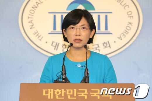 """[사진]이정희 """"정당의 무거운 책임에 더욱 유념하겠다"""""""