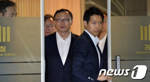 """[사진]채동욱 검찰총장 """"혼외 아들 사실무근"""""""