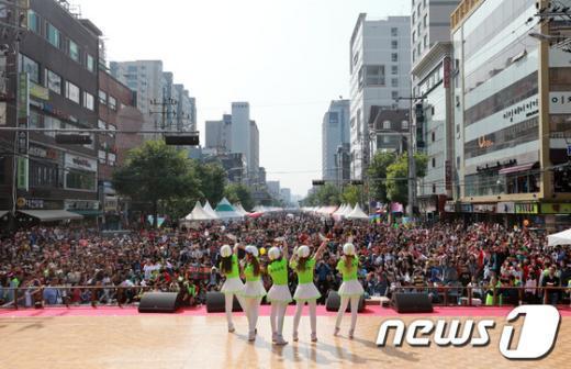 [사진]도심 속 세계거리춤축제