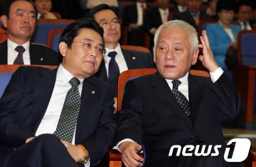 [사진]민주 지도부, '국정원 수사외압' 논의