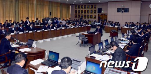 [사진][2013국감]국회 국토교통위원회의 경기도 국감 현장
